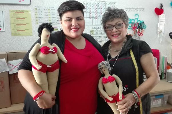 La marca también apoya mujeres que han vivido alguna situación de vulnerabilidad.