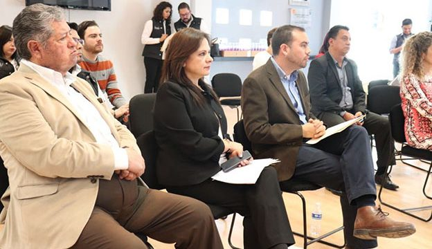 El Comisionado Presidente del IZAI José Antonio de la Torre Dueñas, la Comisionada Julieta Del Río Venegas y Germán Morales, representante de Sociedad Civil en el STL