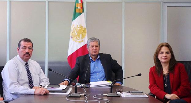 El Comisionado Presidente José Antonio De la Torre y los Comisionados Samuel Montoya y Julieta Del Río establecieron un plazo para la carga de información