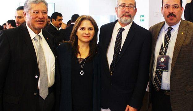 Los Comisionados José Antonio de la Torre Dueñas, Julieta del Río Venegas y Samuel Montoya Álvarez con Oscar Guerra Ford, Comisionado del INAI.