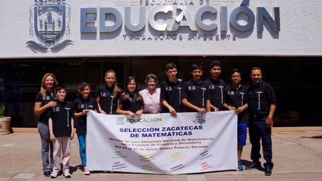 Gema Mercado y Estudiantes