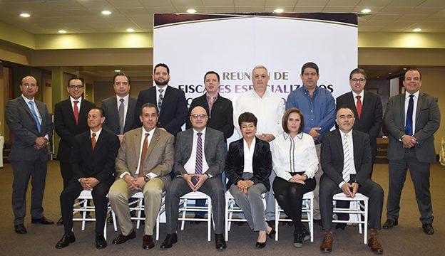 Se reúnen fiscales especializados en combate a la corrupción