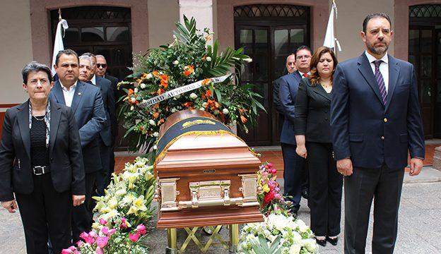 04 Homenaje de cuerpo presente Mtro Enciso González