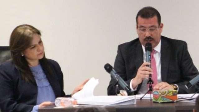 El Comisionado Presidente Samuel Montoya Álvarez y la Comisionada Julieta del Río Venegas