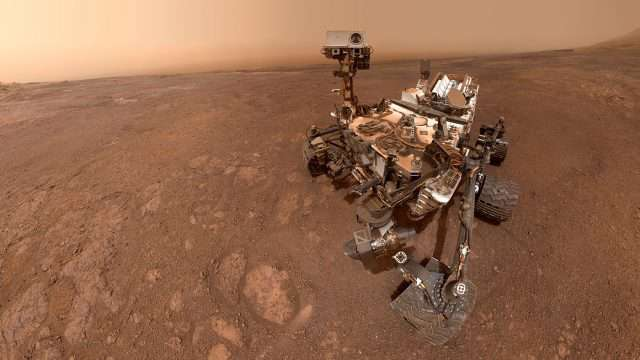 """Una selfie tomada por Curiosity Mars Rover de la NASA en el Sol 2291, el pasado 15 de enero, en el sitio de perforación """"Rocket Hall"""", ubicado en Vera Rubin Ridge. (Imagen tomada de: https://www.nasa.gov/.)"""