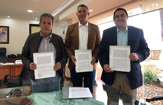 Firma rector y director del Inzace (1)
