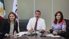 Los Comisionados Samuel Montoya Álvarez, Julieta del Rïo Venegas y Fabiola Torres Rodriguez.